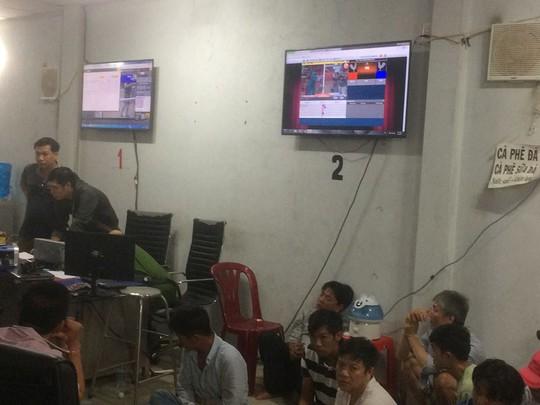 Bộ Công an đột kích ổ cờ bạc khủng ở vùng ven TP HCM - Ảnh 2.