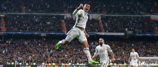 UEFA công bố 10 bàn thắng đẹp nhất Champions League - Ảnh 10.