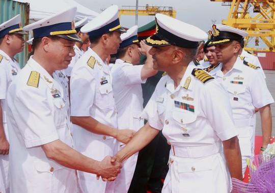 Tàu Hải quân Ấn Độ thăm thành phố Hải Phòng - Ảnh 4.