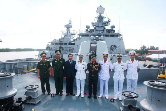 Tàu Hải quân Ấn Độ thăm thành phố Hải Phòng - Ảnh 7.