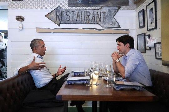 Đi nhà hàng với thủ tướng Canada, ông Obama gây sốt - Ảnh 2.