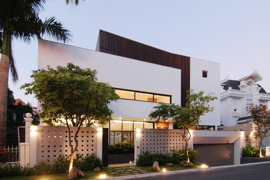 Resort thu nhỏ trong biệt thự ở Sài Gòn - Ảnh 2.