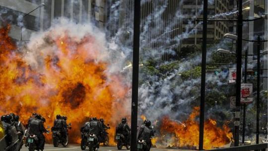 Bầu cử hội đồng lập hiến Venezuela: 15 người chết - Ảnh 2.