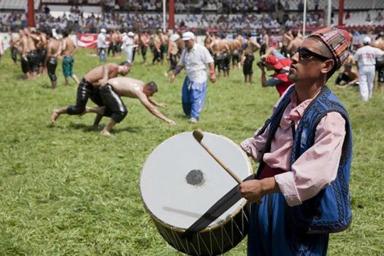 10 lễ hội đáng sợ nhất thế giới - Ảnh 2.