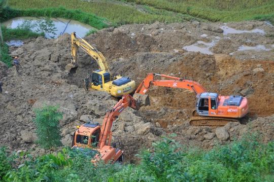 Tìm thấy 2 thi thể cuối cùng trong vụ sạt lở đất vùi lấp 18 người - Ảnh 1.
