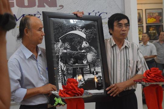 Nhiếp ảnh gia Tam Thái triển lãm ảnh Sài Gòn sau sự cố - Ảnh 2.