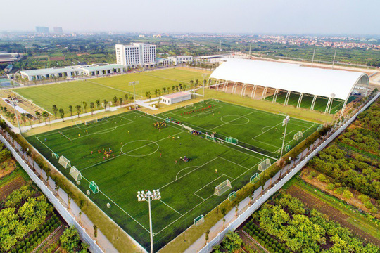 Vingroup sắp khánh thành trung tâm đào tạo bóng đá hàng đầu Đông Nam Á - Ảnh 2.