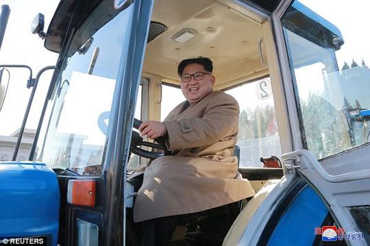 Báo Triều Tiên nổi giận vì ông Trump xúc phạm ông Kim Jong-un - Ảnh 1.