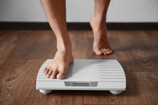 Những cách đơn giản không tăng cân trong kỳ nghỉ dài - Ảnh 2.