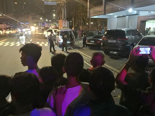Đang tới bệnh viện thì chết oan dưới làn đạn cảnh sát - Ảnh 2.
