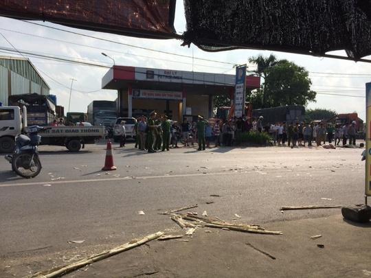 Hai xe máy va chạm, 3 người tử vong tại chỗ - Ảnh 2.