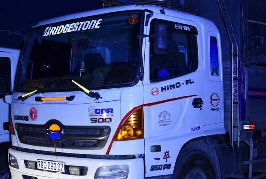 Bộ miếng dán phản quang gia tăng khả năng nhận biết cho các tài xế, cải thiện sự an toàn khi lưu thông trên đường, đặc biệt là vào ban đêm và tại những nơi thiếu ánh sáng