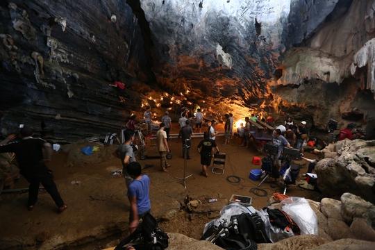 Victor Vũ phô diễn vẻ đẹp Quảng Bình trong phim mới - Ảnh 13.