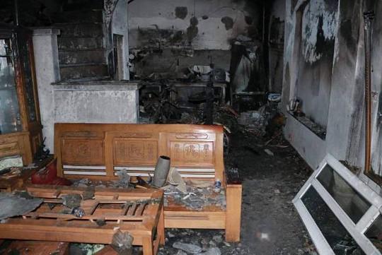 Cháy nhà lúc rạng sáng, vợ chồng và 2 con tử vong - Ảnh 1.