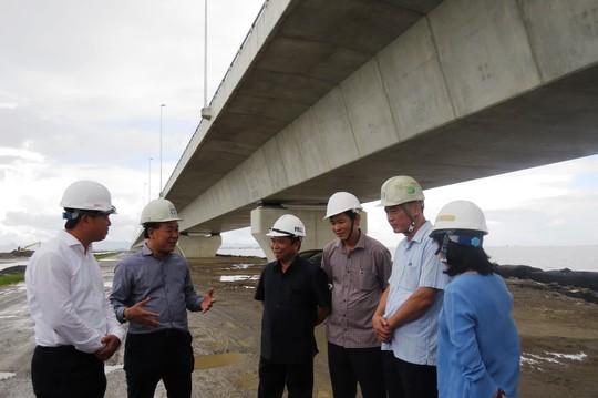 Sai sót ở cây cầu dài nhất Việt Nam: Phê bình 3 đơn vị - Ảnh 1.