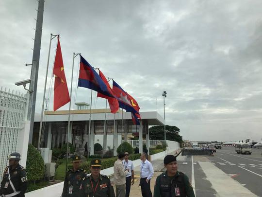 Trang trọng lễ đón Tổng Bí thư tại Hoàng cung Campuchia - Ảnh 6.