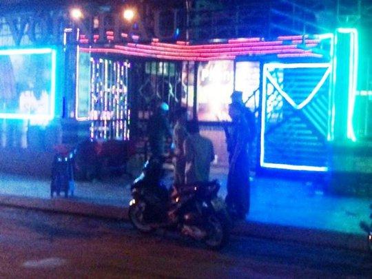 Hỗn chiến kinh hoàng, 3 thanh niên bị chém gục ở quận Gò Vấp - Ảnh 1.