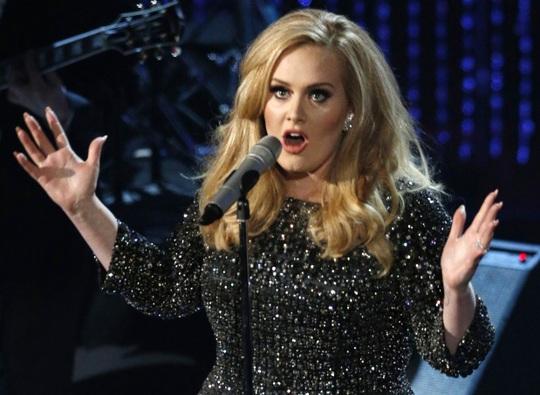 Adele hủy diễn, người hâm mộ tức giận - Ảnh 1.