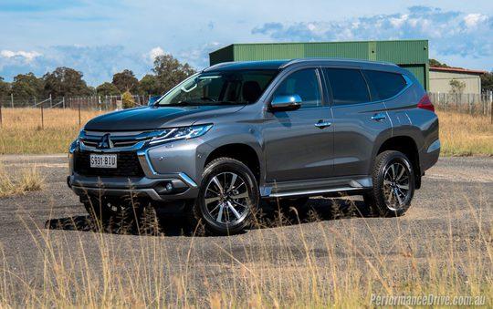 Mitsubishi giảm giá 100 triệu: 100% ô tô Nhật xuống đáy mới - Ảnh 1.