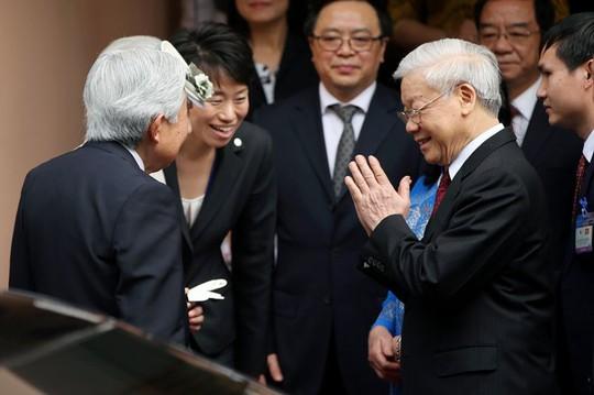 Tổng Bí thư và Phu nhân đón Nhật hoàng và Hoàng hậu