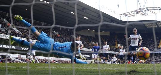Lukaku lập công cho Everton