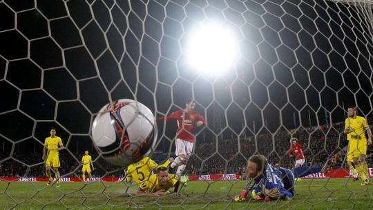 Mkhitaryan mở tỉ số cho M.U ở phút 35