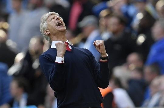 Chưa bao giờ HLV Wenger phấn khích như đêm qua. Man City gần đây luôn là khắc tinh với Arsenal.