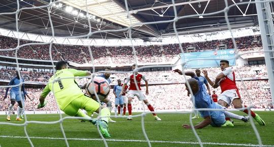 Sanchez với bàn thắng quyết định