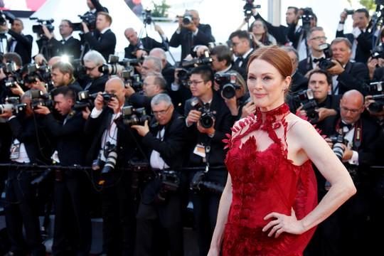 Mỹ nhân khoe sắc rạng rỡ tại LHP Cannes - Ảnh 8.