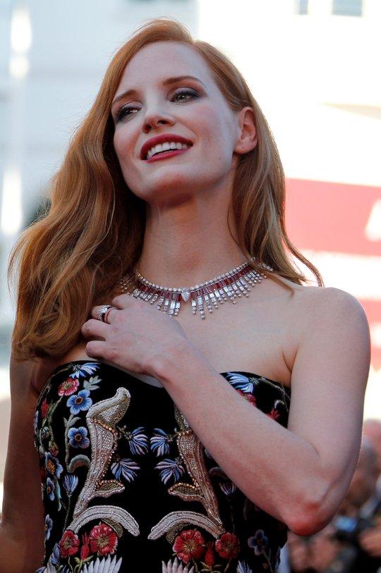 Mỹ nhân khoe sắc rạng rỡ tại LHP Cannes - Ảnh 5.