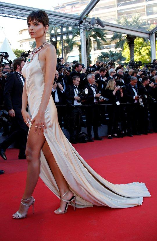 Mỹ nhân khoe sắc rạng rỡ tại LHP Cannes - Ảnh 9.