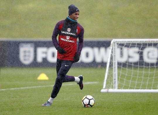 Mourinho lo ngại gà son Rashford chấn thương khi lên tuyển - Ảnh 3.