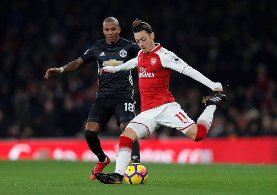Arsenal với hy vọng mong manh giữ chân Mesut Ozil - Ảnh 1.