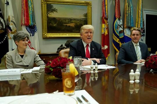 Công tố viên Mỹ vượt lằn ranh đỏ của ông Trump - Ảnh 2.