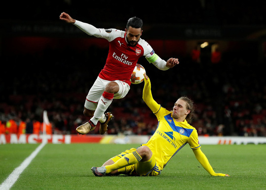 Chiến thắng 6 sao, Arsenal thách thức các ông lớn - Ảnh 1.