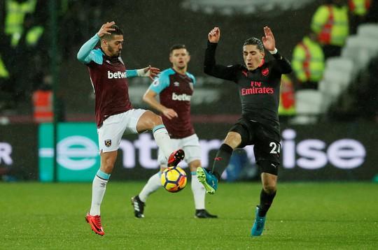 West Ham cầm hòa Arsenal, muốn giải cứu ngôi sao bị thất sủng - Ảnh 3.