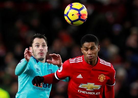 HLV Mourinho vẫn bình thản sau trận derby tai tiếng - Ảnh 4.