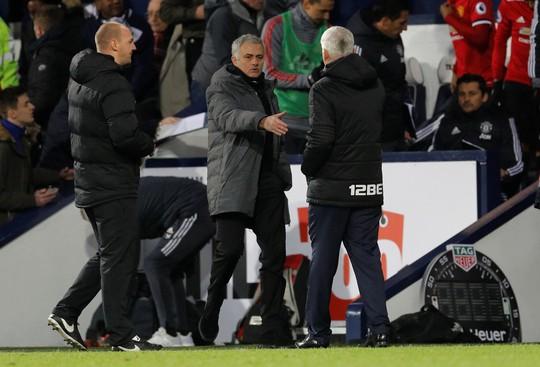 Tiếp tục ghi bàn, Lukaku giúp M.U chiến thắng - Ảnh 4.