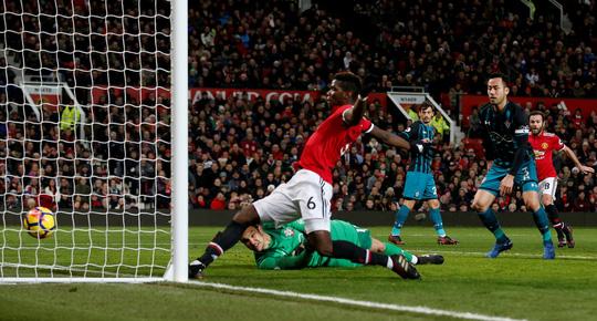 Quỷ đỏ hụt hơi, Chelsea lên nhì bảng - Ảnh 4.