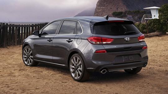 Xe gia đình Hyundai Elantra GT 2018 có giá 460 triệu đồng - Ảnh 7.
