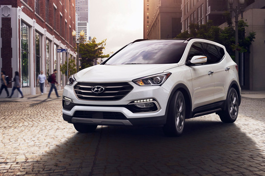 Hyundai Santa Fe giảm 70 triệu trong tháng 4.