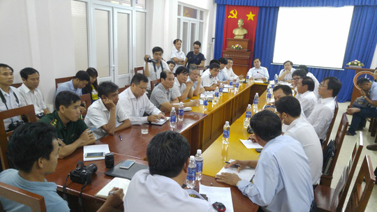 Lực lượng chức năng họp triển khai tìm kiếm cứu nạn