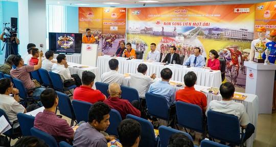 Buổi họp báo giới thiệu về giải