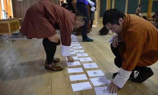 Giáo viên Toán vùng Thimpu đưa lý thuyết vào thực tiễn
