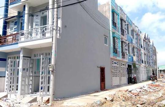 Những căn nhà bán thông qua vi bằng đa phần đều xây dựng trái hoặc sai phép nên có thể bị chính quyền cưỡng chế bất cứ lúc nào