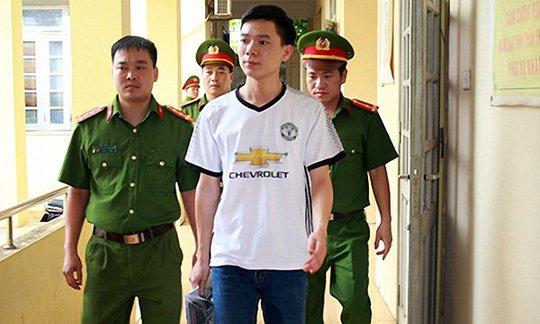 Vụ 8 người chạy thận tử vong: Bác sĩ Hoàng Công Lương được tại ngoại - Ảnh 1.