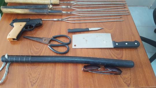 Bắt 2 đối tượng dùng súng nhựa đi cướp - Ảnh 3.