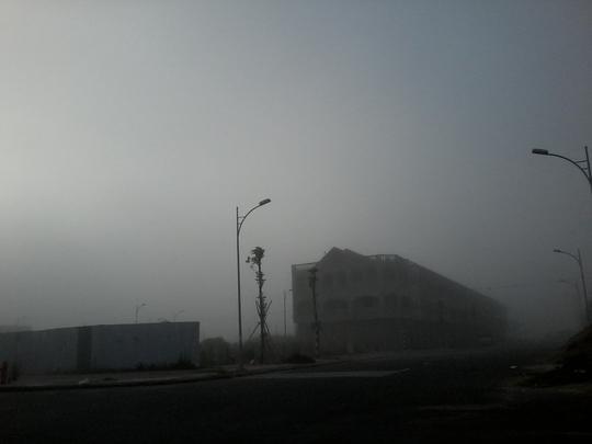 """Hiện tượng lạ: Sương mù như muốn… """"nuốt chửng"""" Cần Thơ - Ảnh 5."""