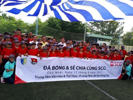 Một buổi làm thầy đáng nhớ của tuyển thủ Quang Hải - Ảnh 2.