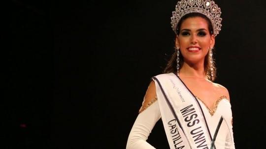 Ngắm nhan sắc tân Hoa hậu Hoàn vũ Tây Ban Nha - Ảnh 1.